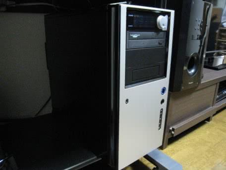ANTEC SOLOのフロントファンフィルターを交換しよう!