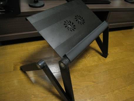 ファン搭載の折りたたみ式ノートパソコンデスク「DN-NBD1110B」を買ってみた!