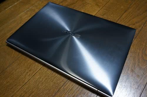 超薄型Ultrabook PC「ASUS ZENBOOK UX31A-R5128」を買ってみた!