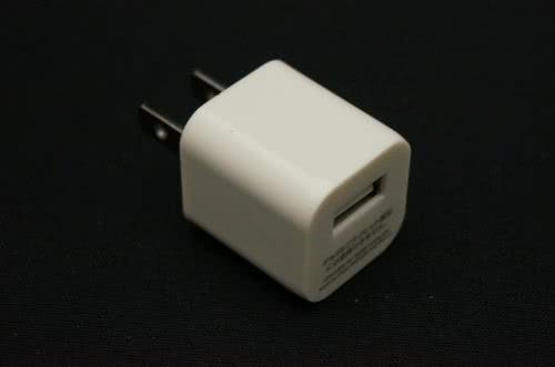 ダイソーのUSB充電ACアダプターを買ってみた!