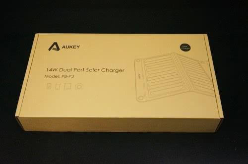AUKEY 折り畳み式ソーラー充電器 14W 2USBポート PB-P3を使ってみた!