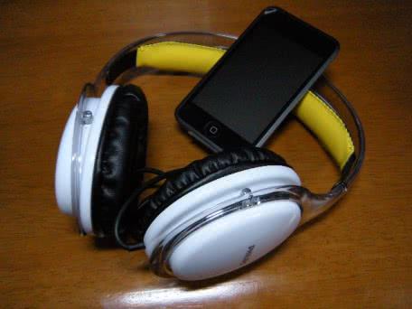 PHILIPS(フィリップス) のヘッドフォン SHL9560を使ってみた!